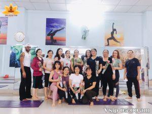 Kỷ niệm hoạt động 20/10 - Yoga Sun & Moon Center